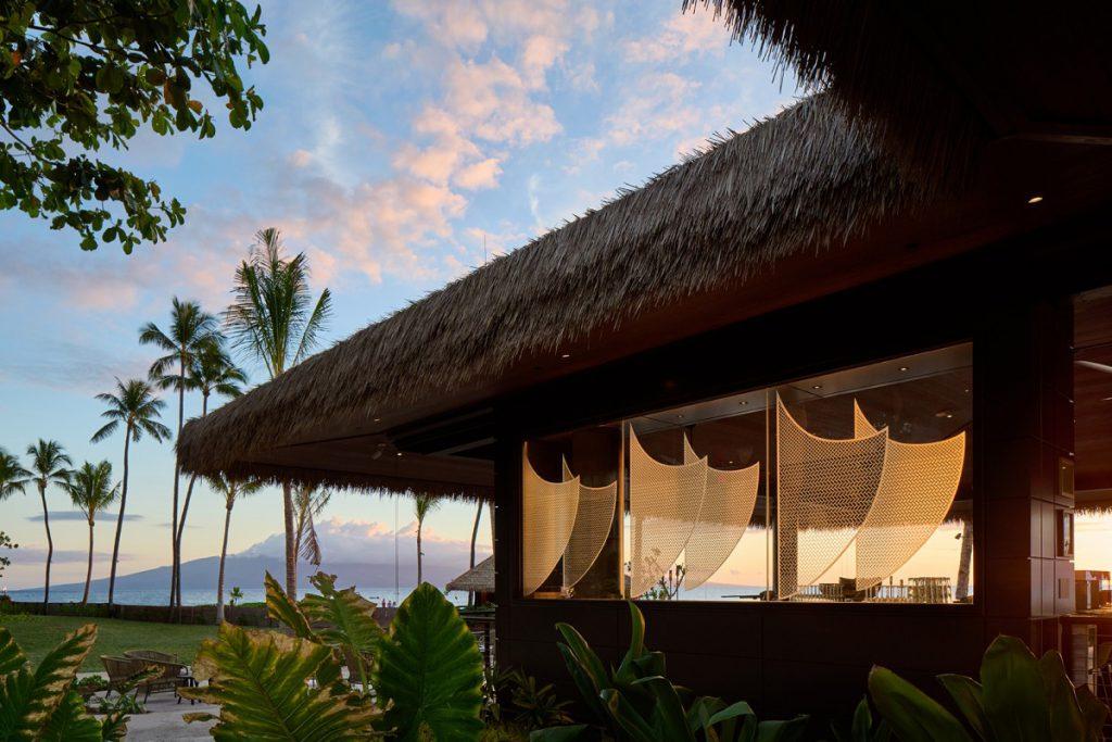 ビーチフロントレストラン「Huihui」